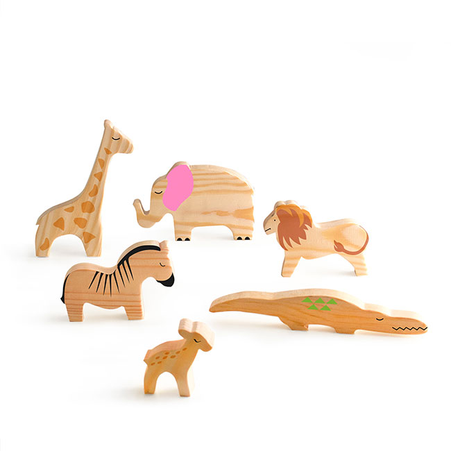 Montessori-safari-toys